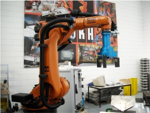 Kuka with Omas gripper